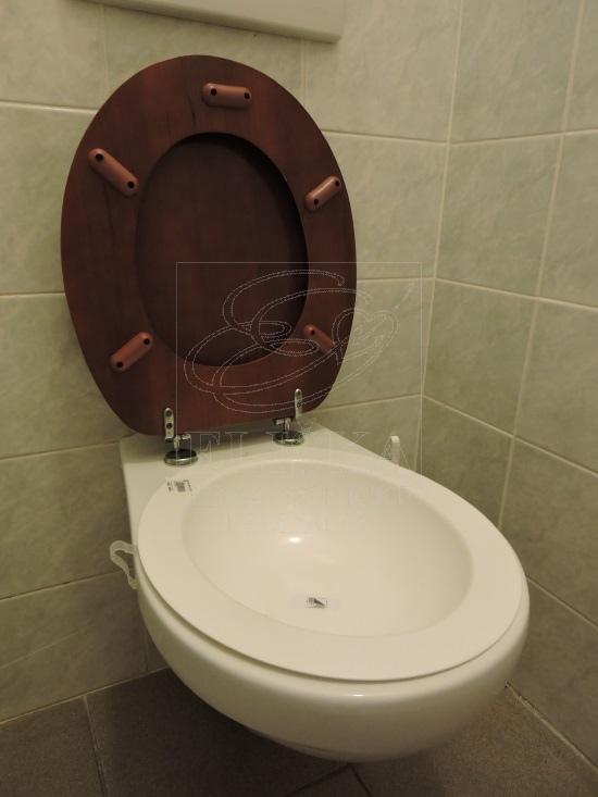 m�sa na sedac� koupele